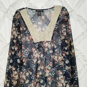 db810341738 About A Girl Tops - About A Girl Sheer Floral Lace Tunic Top Medium